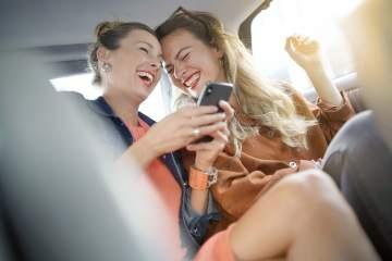 Taxi pour soirée entre amis dans la région d'Aurillac